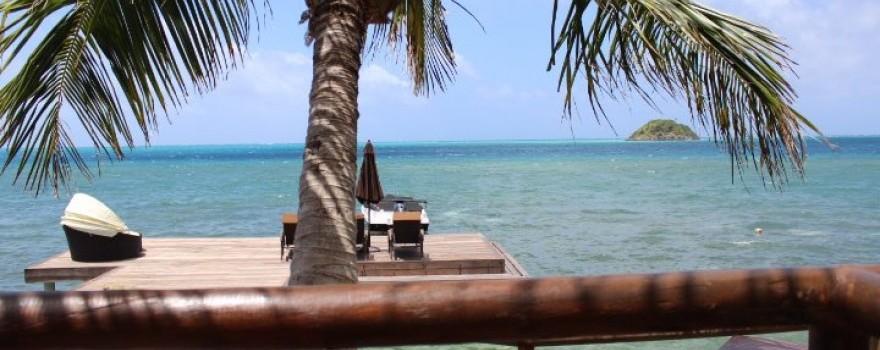 Terraza Restaurante Fuente Deep Blue Hotel Facebook 1